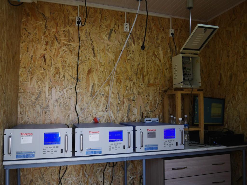 Se pyörii sittenkin! Uudet laitteet toiminnassa mittauskopissa. Kuva: Timo Anttila