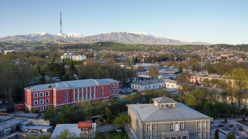 Näkymä Serena hotellin katolta Dushanbessa. Kuva: Saija Vuola, SYKE