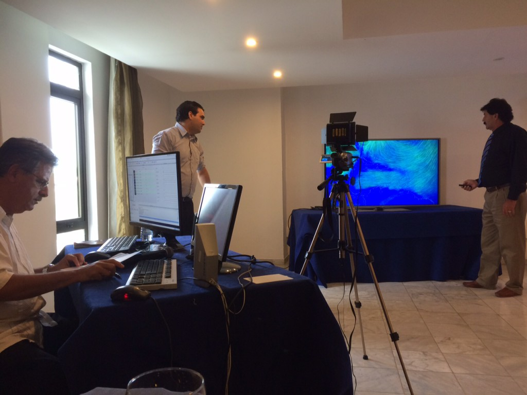 Hotellin neuvotteluhuoneeseenkin saa rakennettua TV-studion. Kuva: Matti Eerikäinen