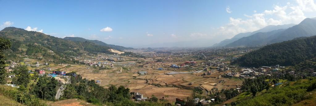 Näkymä Thankotin säähavaintoasemalta itään Katmandu-laaksoon