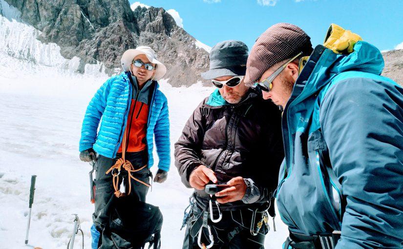 Kirgisian jäätikkötutkimuksessa ovat apuna hevoset ja nykyteknologia