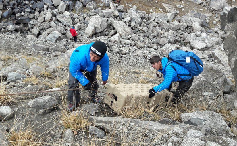 Näin se käy – sääasema pystytettiin Tadžikistanin jäätikölle